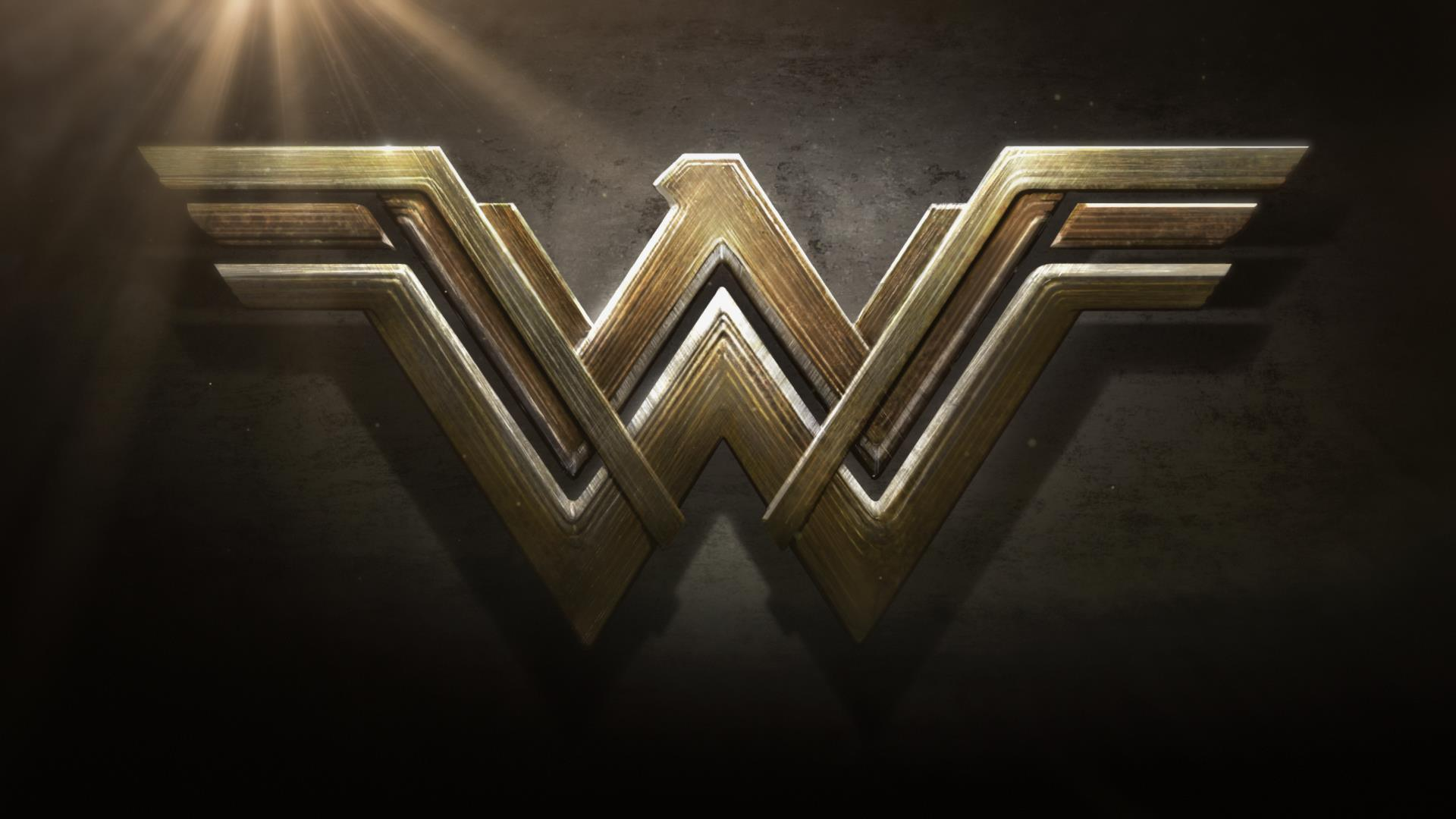 Wonder Woman: Gal Gadot bellissima nella nuova immagine di Entertainment Weekly