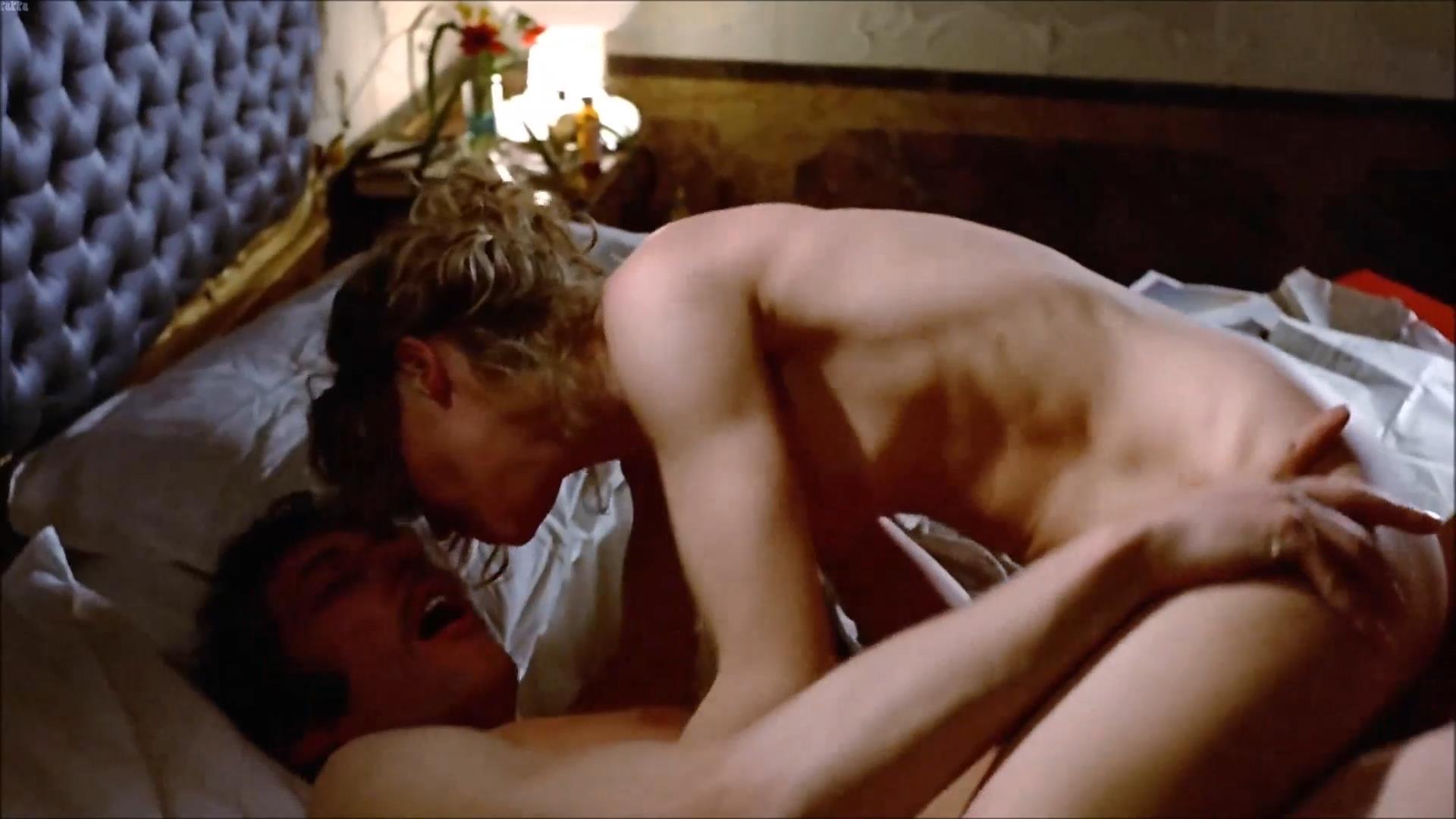 Giochi erotici da fare scene di film molto hot