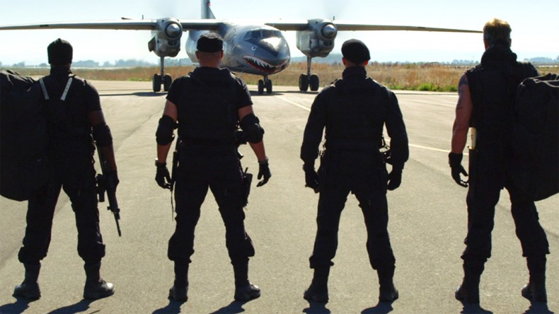 35a3a7f0-bb5c-11e3-9dc6-c351df2837bc_expendables3_rollcall_gs