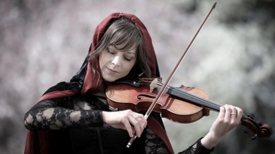 Phantom-lindsey-stirling-32673633-1920-1080