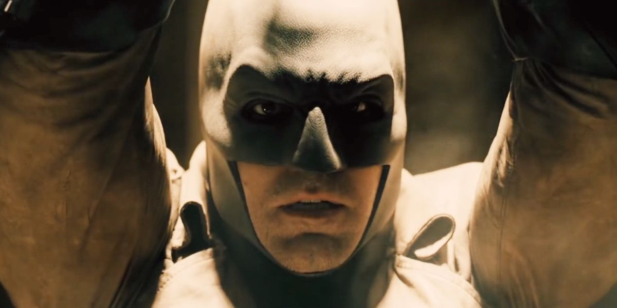 Batman-V-Superman-Trailer-Desert-Hostage