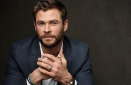 Chris Hemsworth pausa