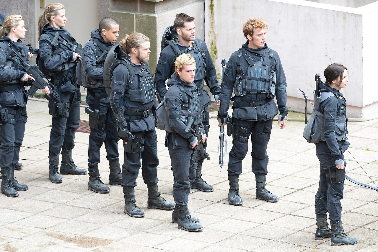 """**USA ONLY** *EXCLUSIVE* Noisy-le-Grand, France - Jennifer Lawrence, Josh Hutcherson, Liam Hemsworth, Sam Claflin, Natalie Dormer and Evan Ross film scenes for their upcoming movie, """"The Hunger Games: Mockingjay"""" in France. The group was all geared up in uniform with their weapons in hand. AKM-GSI May 12, 2014 **USA ONLY** To License These Photos, Please Contact : Steve Ginsburg (310) 505-8447 (323) 423-9397 steve@akmgsi.com sales@akmgsi.com or Maria Buda (917) 242-1505 mbuda@akmgsi.com ginsburgspalyinc@gmail.com"""
