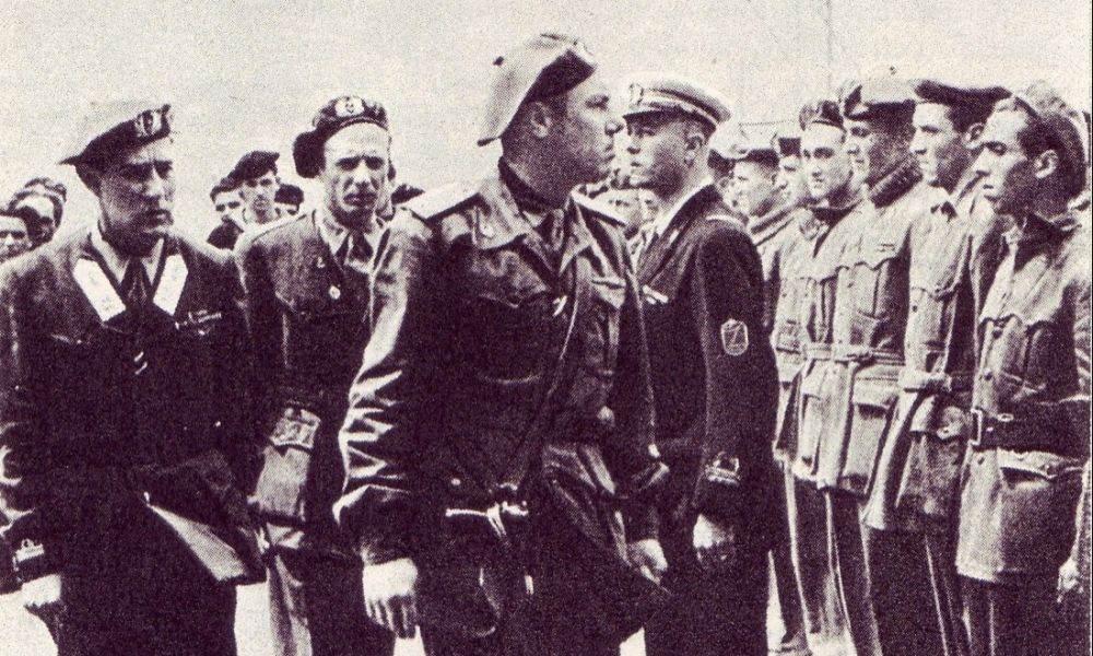 Una foto d'archivio del golpe neofascista.
