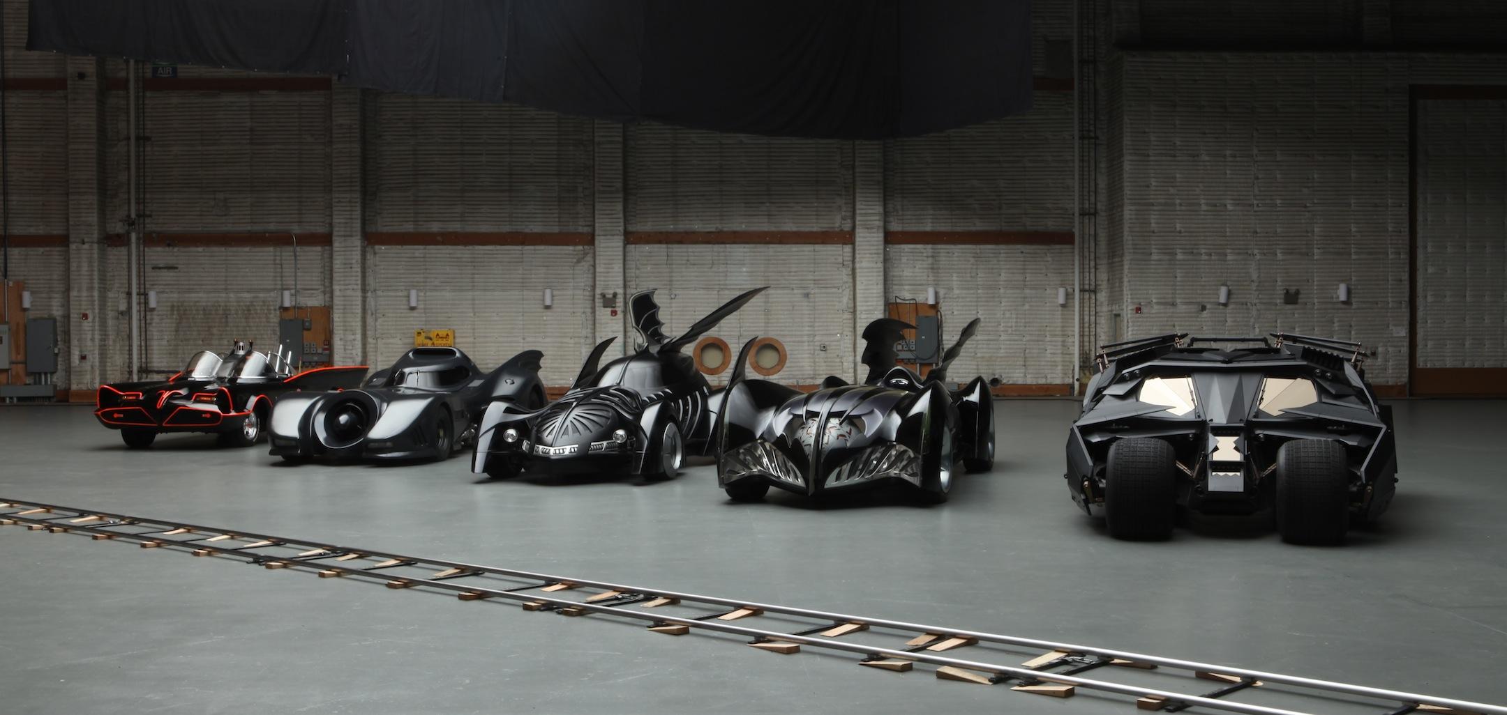 batman-arkham-knight-uno-sguardo-alla-batmobile_5rru