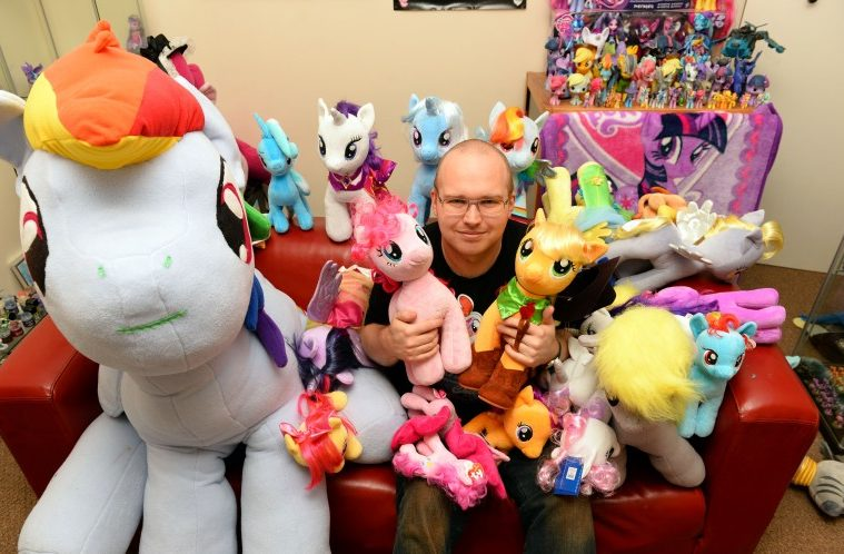 studi-virtuali-mondo-brony-indagine-fandom-my-little-pony